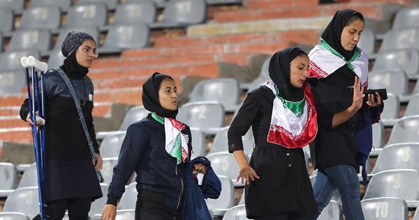 Iran's 'Blue Girl' Football Fan Died After Setting Herself On Fire   ELLE Australia
