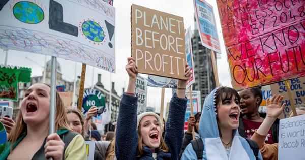 Global Climate Strike Australia: 5 Ways To Take Part | ELLE Australia