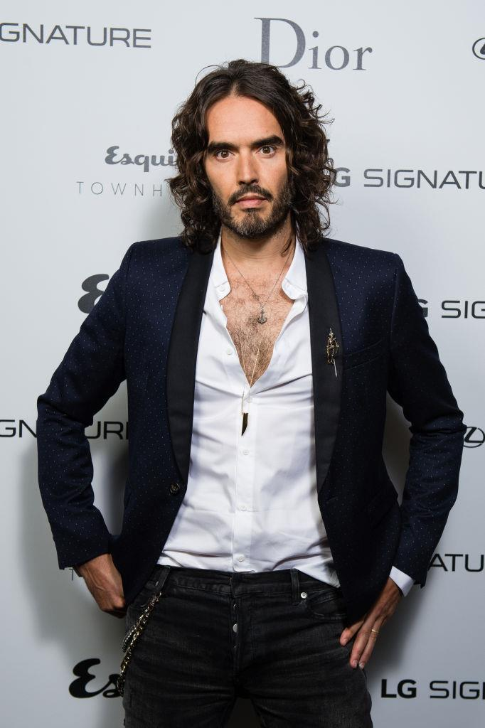 "**Russell Brand**<br><br>  British actor and comedian Russell Brand allegedly adopted a vegetarian diet at the age of 14, before switching over to veganism in 2011.<br><br>  He [reportedly](https://www.plantbasednews.org/news/russell-brand-return-to-veganism|target=""_blank""