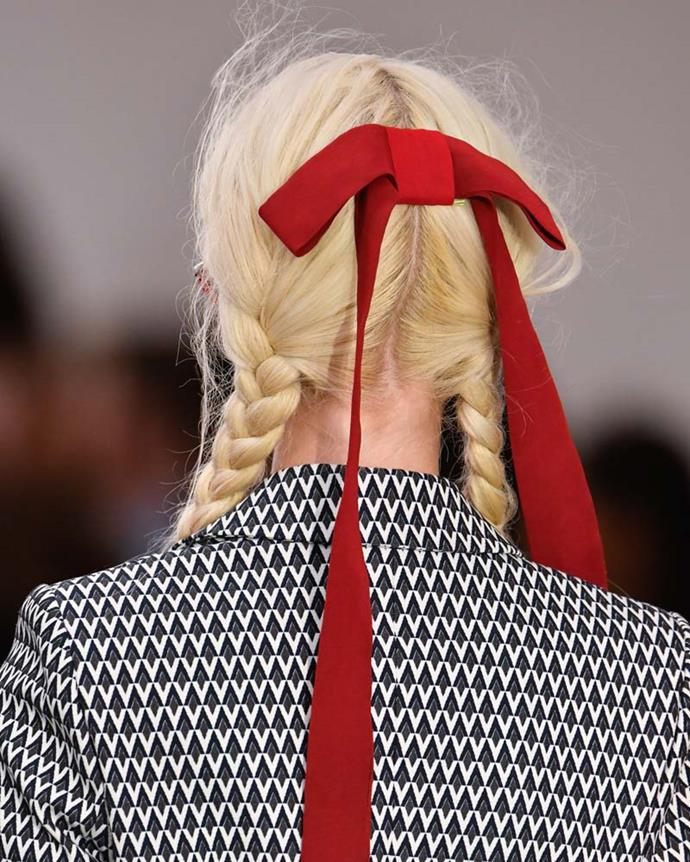 ***A hair bow***<br><br> Embrace school girl roots with a hair bow. Made of classic grosgrain or luscious velvet, it's a unexpected yet stylish choice.