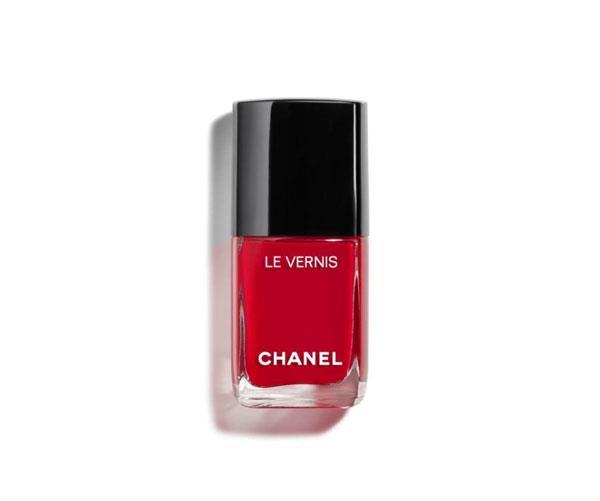 "**CLASSIC RED**<br><br>  Le Vernis in 'Gitane' by Chanel, $41 at [David Jones](https://www.davidjones.com/Product/20446730?istCompanyId=466a8370-6b00-4f27-87e1-ca6839e80dd6&istFeedId=e623e8fb-2ac0-43c5-9b01-5f07405aa50c&istItemId=wiqmippwa&istBid=t&gclid=EAIaIQobChMI9fjFtceB5QIVig4rCh051w4WEAYYAiABEgKcHPD_BwE&gclsrc=aw.ds|target=""_blank""|rel=""nofollow"")."