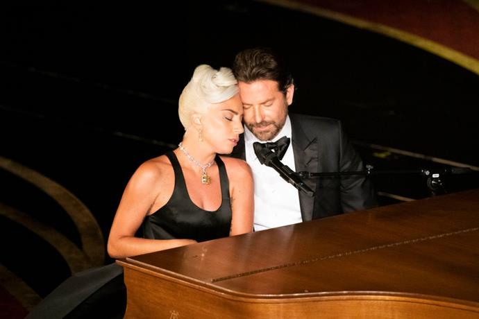 **8. Lady Gaga and Bradley Cooper at the 2019 Academy Awards** <br><br> Bradley Cooper and Lady Gaga were plagued by romance rumours after the release of their 2018 film *A Star Is Born*, and their chemistry-laden performance at the Oscars in February 2019 did *nothing* to silence dating rumours. Here, how to replicate this iconic Oscars moment for the Spooky Season.