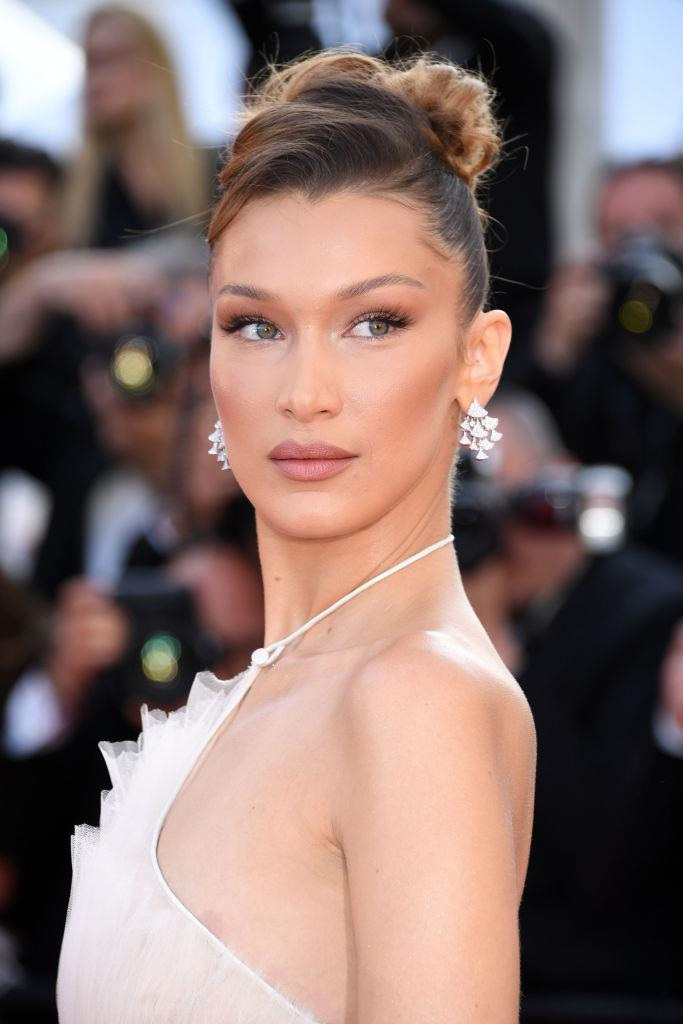 "**Bella Hadid** <br><br> Bella Hadid's Finsta alter ego is [Rebekka Harajuku](https://www.instagram.com/rebekkaharajuku/|target=""_blank""
