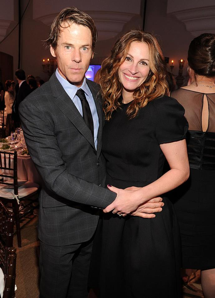 "**Julia Roberts and Danny Moder**<br><br>  Although they've been married for 16 years, the *Pretty Woman* star and her cinematographer husband [reportedly](https://www.nickiswift.com/105368/strange-things-julia-roberts-marriage/|target=""_blank""