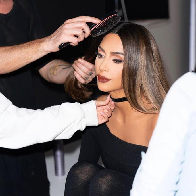 "**Kim Kardashian West**<br><br>  Kim Kardashian West caused quite the social media stir when behind-the-scenes photos of her with chunky '90s highlights surfaced on celebrity hairstylist Andrew Fitzsimons Instagram account in August 2019.<br><br>  *Image via [@andrewfitzsimons](https://www.instagram.com/p/B1ZsIR0Jiau/|target=""_blank""