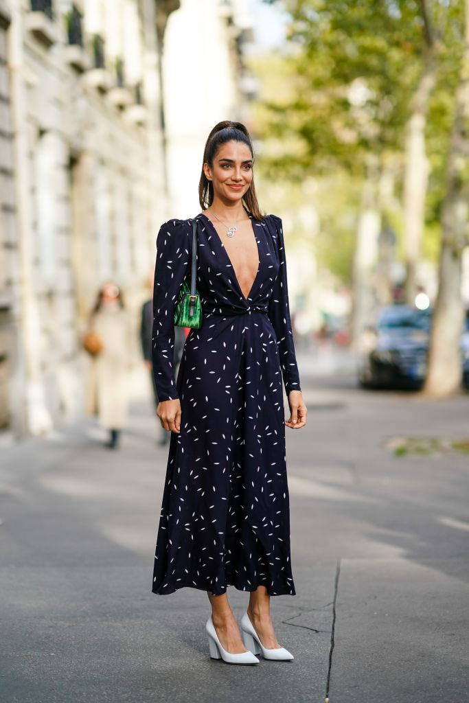 "**4. Pay Attention To Hair And Makeup**<br><br>  ""On this note, it also helps to have a polished appearance in terms of your hair and makeup. A slick ponytail can never go astray and [no-makeup makeup](https://www.elle.com.au/beauty/no-makeup-makeup-11191