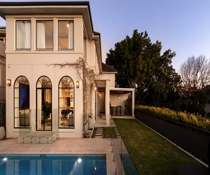 "**Kambala House, Bellevue Hill, Sydney** <br><br> [Book through Airbnb here.](https://www.airbnb.com.au/luxury/listing/23416487/?adults=1&children=0&infants=0&guests=1|target=""_blank""