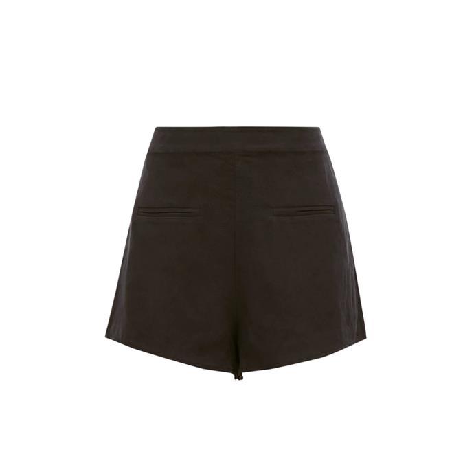 "Shorts by SIR, $208 at [MATCHESFASHION.COM](https://www.matchesfashion.com/au/products/Sir-Isa-high-rise-faux-pocket-linen-blend-shorts-1310292|target=""_blank""|rel=""nofollow"")."
