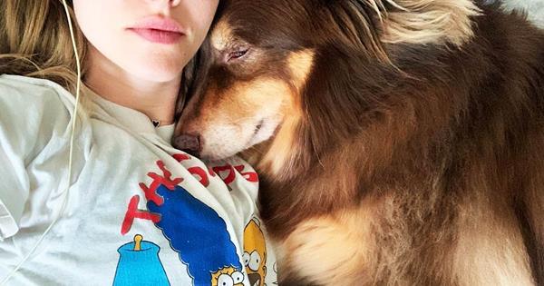 Women Sleep Better Next To Dogs, Study Says | ELLE Australia
