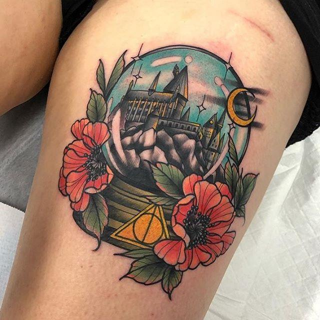 """**'American traditional' tattoos are becoming more popular** <br><br> Though they're too bold for some people's tastes, Winzer says the 'American traditional' style of tattoo—colourful, bold and thick-lined—have an enduring popularity. <br><br> Winzer explains that many of the popular silhouettes involve """"the classics—the swallows, the roses, the spider webs, that's forever. It [involves] black, and a lot of bold colours"""". <br><br> *Image: [@jkirchen](https://www.instagram.com/jkirchen/