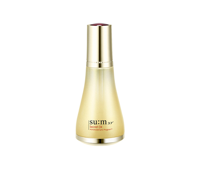 "**Secret Oil by Su:m37º, $143 at [My K Beauty](https://www.mykbeauty.com/shop/sum37-secret-oil-50ml/|target=""_blank"")**<br> The secret's out: this wrinkle-smoothing, moisture-boosting oil has *serious* plumping properties."