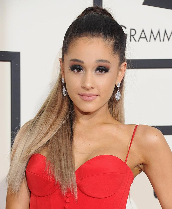 **February 2016**<br><br>  For the 2016 Grammy Awards, Grande maintained her high ponytail but went for a strong ombré colour, with dark roots and long, bronde-to-blonde lengths.
