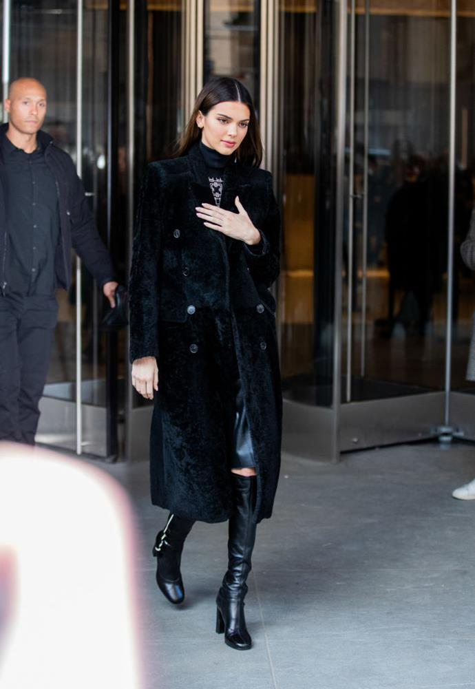 Kendall Jenner arriving at Longchamp's autumn/winter '20 show on February 8, 2020.