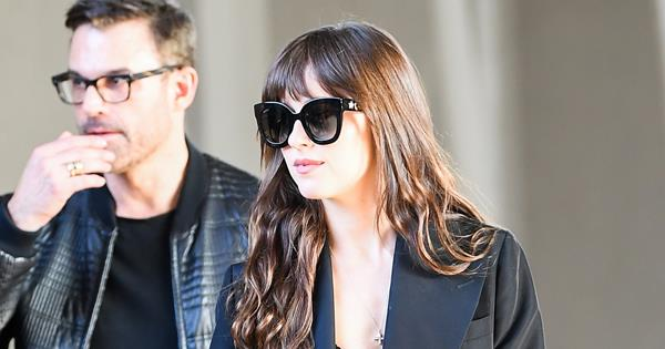 Blink And You'll Miss The Best Part Of Dakota Johnson's Gucci Look