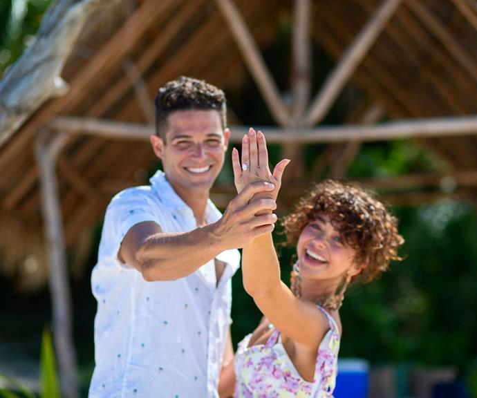 "**Sarah Hyland**<br><br>  *Modern Family* star Sarah Hyland shared not one, but two, ring shots in the carousel post announcing her engagement to Wells Adams in July 2019.<br><br>  *Image via [@sarahhyland](https://www.instagram.com/p/Bz_tCLjlAM1/|target=""_blank""