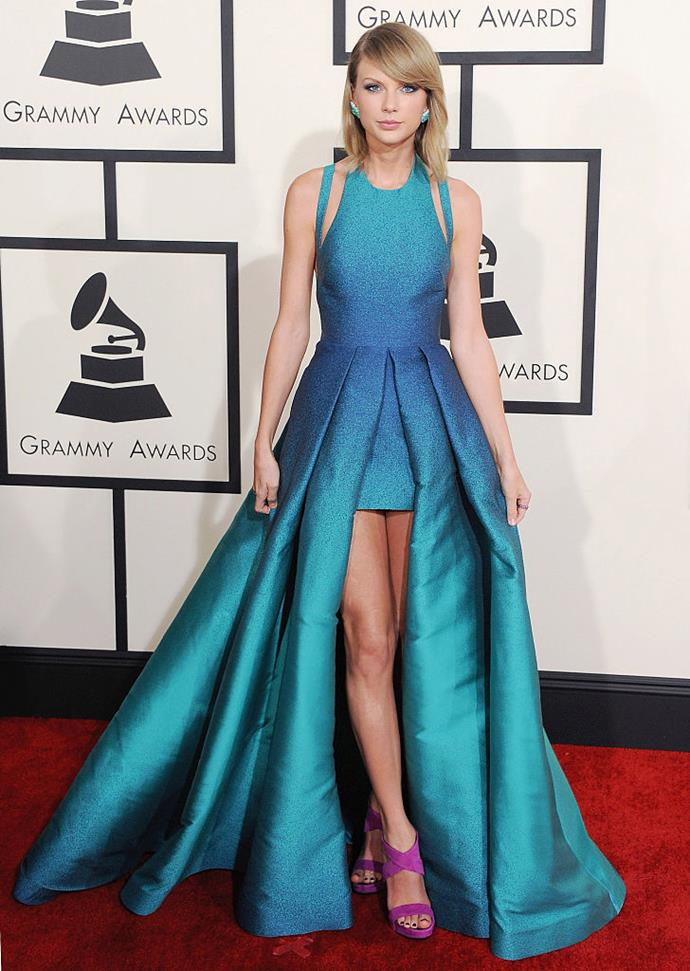 "**Taylor Swift says she's going home solo** <br><br> Things memorably got awkward at the 2015 Grammy Awards when Taylor Swift was asked whether she'd be sharing her night with ""lots of men"", when Swift had every intention of celebrating as a proudly single woman. <br><br> The singer was interviewed on the red carpet by *Entertainmnent Tonight* reporter Nancy O'Dell on the red carpet, who quipped: ""You're going to walk home with more than a trophy tonight—I think lots of men."" After a moment of confusedly staring, Swift responded: ""I'm not going to walk home with any men tonight. I'm going to hang out with my friends, and then I go home to my cats."""