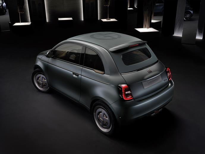 """Using laser technology, Armani wished to shape the metal covering of the car's bodywork (and eventually etching it) with exclusive microchevron engraving, so that it had a fabric-like look. The result is further enhanced by an Armani gray-green """"silk effect"""" colour and highly innovative paint."""
