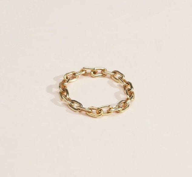 "Catena Chain Ring by Doublemoss Jewelery, approximately AUD $541 at [Doublemoss Jewelery](https://www.doublemoss.com/products/catena-14k-yellow-gold?variant=29480940929085|target=""_blank"")."