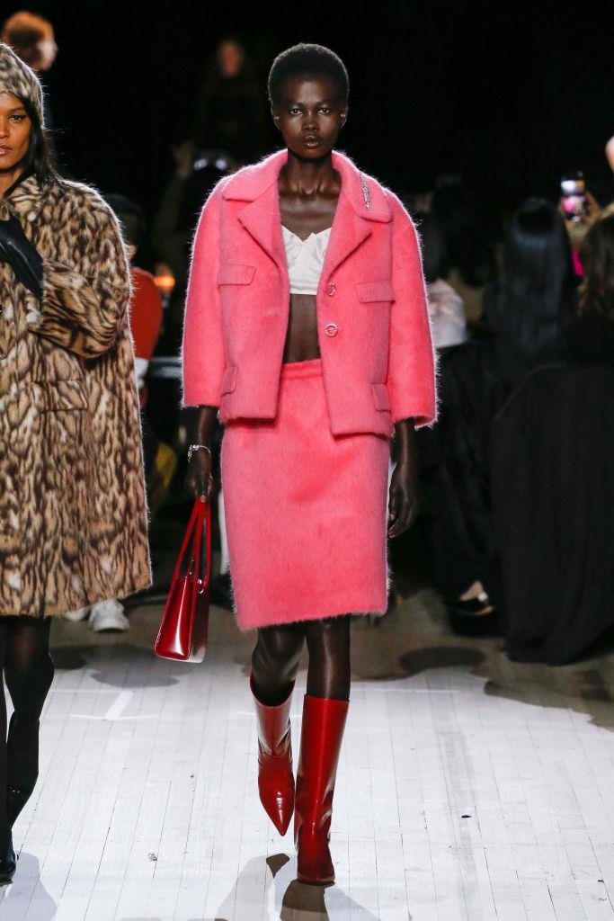 "**Playing With Proportion**<br><br>  ""A crop top paired with a knee-length skirt and cropped sleeve jacket (think: this playful pink look at Marc Jacobs) is balanced perfectly with mid-calf boots,"" said Wong.<br><br>  *[Marc Jacobs autumn/winter '20/'21](https://www.harpersbazaar.com.au/fashion/marc-jacobs-autumn-winter-2020-19929
