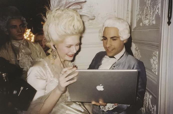 "Kirsten Dunst and Jason Schwartzman filming *Marie Antoinette* (2006). <br><br> *Image: Instagram [@2000sanxiety](https://www.instagram.com/p/B-Cb49EgwqT/|target=""_blank""|rel=""nofollow"")*"