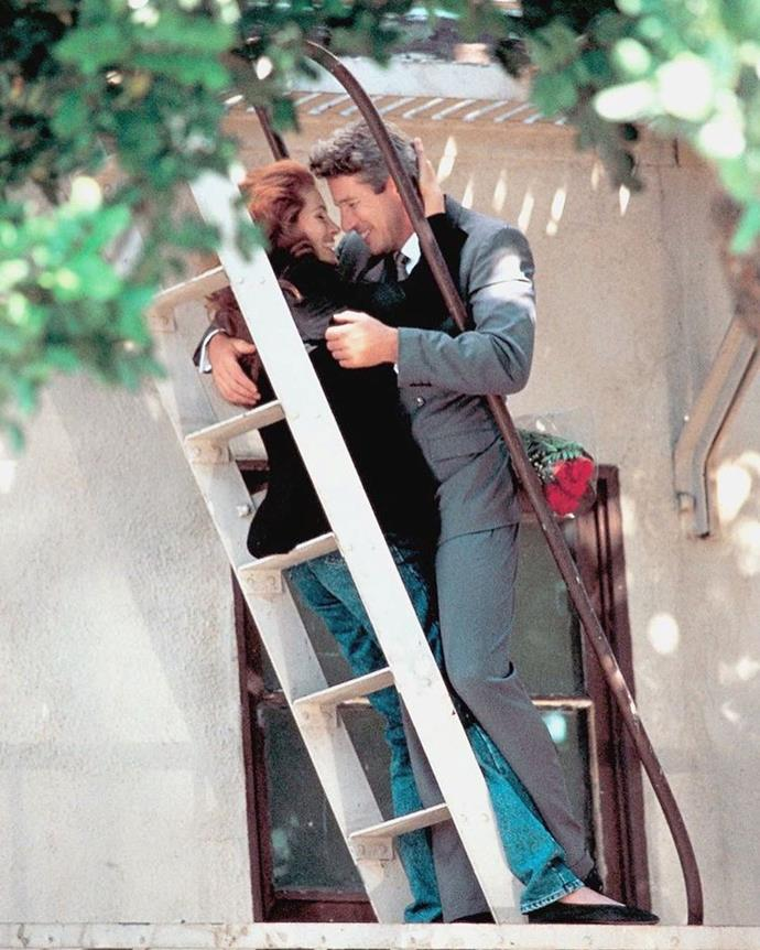 "Julia Roberts and Richard Gere filming *Pretty Woman* (1990). <br><br> *Image: Instagram [@vintagevirgin](https://www.instagram.com/p/B7J02TvHUO-/|target=""_blank""