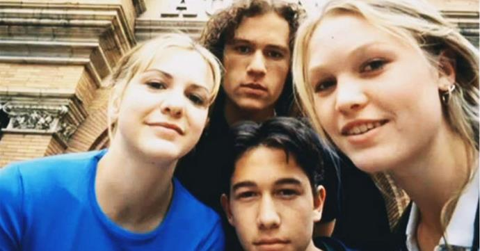 Larisa Oleynik, Heath Ledger, Joseph Gordon-Levitt and Julia Stiles on the set of *10 Things I Hate About You* (1999).