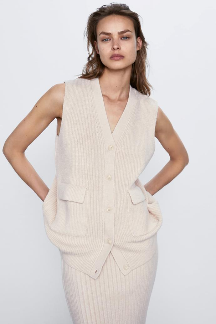 "[Knit waistcoat with pockets](https://fave.co/2XxiJbD|target=""_blank""