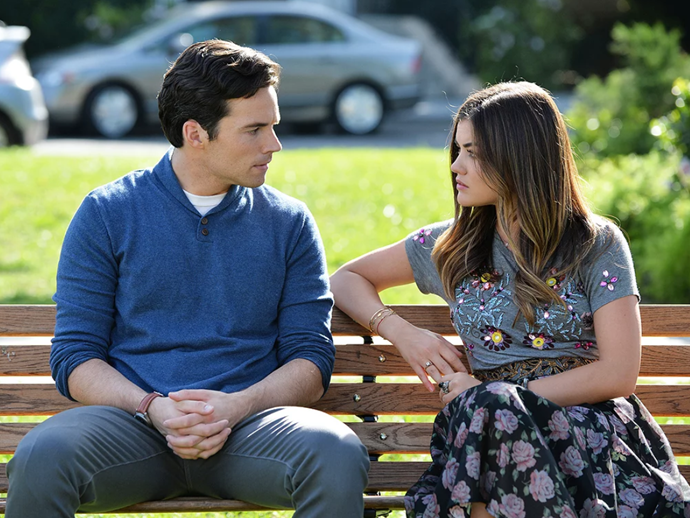 """**Aria and Ezra from** ***Pretty Little Liars***<br><br>  Add this pairing to the list of 'problematic relationships that should never be shipped'. Not only was Aria just 16 when she and Ezra first hooked up in a random bar, he was her high school *teacher*, knew very well who she was (a minor in a bar), and he was downright creepy in telling her that he was there to get inspiration for his true crime novel (um, what?). Moreover, he wasn't even a good boyfriend to her! Somehow (spoiler alert) they still got married in the end, even though his behaviour was nothing short of statutory rape (which [the show oddly romanticised](https://www.huffingtonpost.com.au/entry/pretty-little-liars-addresses-its-statutory-rape-problem-but-not-in-the-way-we-hoped_n_5937f09ee4b0ce1e740956e6?ri18n=true