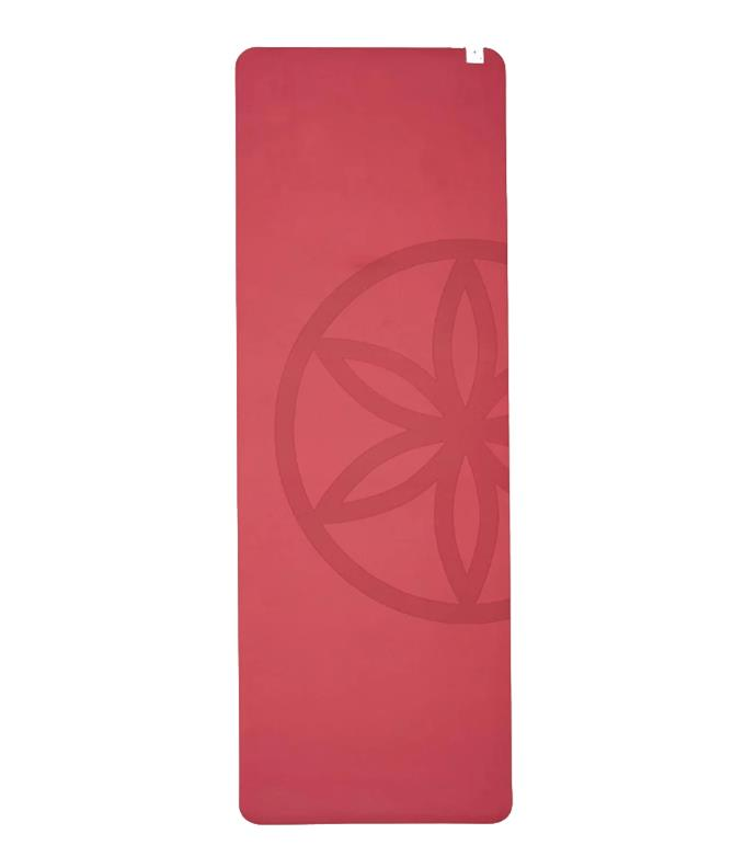 "**Best Yoga Mat For Vinyasa And Power Yoga **<br><br>  If you enjoy dynamic flows and a faster pace, this mat is made for you. Thanks to its StayBase rubber, it offers exceptional stability, so neither you nor your mat will slip as you move. It also boasts a pillow TPE upper for cushioned comfort that won't compromise your grip.<br><br>  *Performance Studio Luxe 5mm Yoga Mat by Gaiam, $79.95 at [THE ICONIC](https://fave.co/3fMuIc5|target=""_blank""