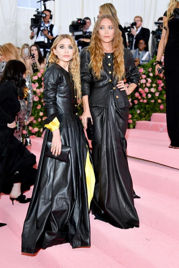 "**Mary-Kate and Ashley Olsen** <br><br> The Olsen Twins went from being two of the world's most successful child actors to an elusive duo, known nowadays for managing their two fashion brands, The Row and Elizabeth & James. <br><br> Though they've only made a handful of [speaking appearances](https://www.elle.com.au/celebrity/olsen-twins-appearances-23394|target=""_blank"") in the past few years, their younger sister, actress Elizabeth Olsen, has given an insight into why they decline to show their faces in conventional media. <br><br> In a 2017 interview with *Modern Luxury* (quotes per [*W*](https://www.wmagazine.com/story/elizabeth-olsen-explains-why-mary-kate-ashley-dont-do-interviews/