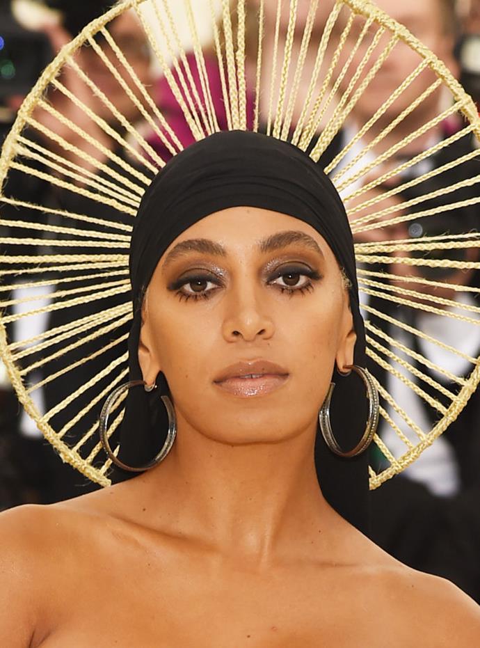 Twiggy meets Cleopatra? It works and she looks like a Goddess.