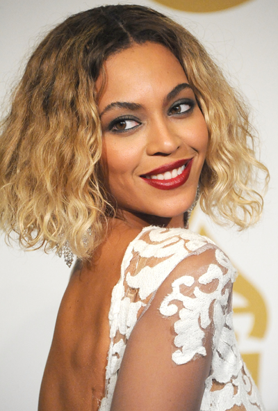 **Beyoncé**<br></br> A true queen in all departments, even the 'rocking exposed roots' one.