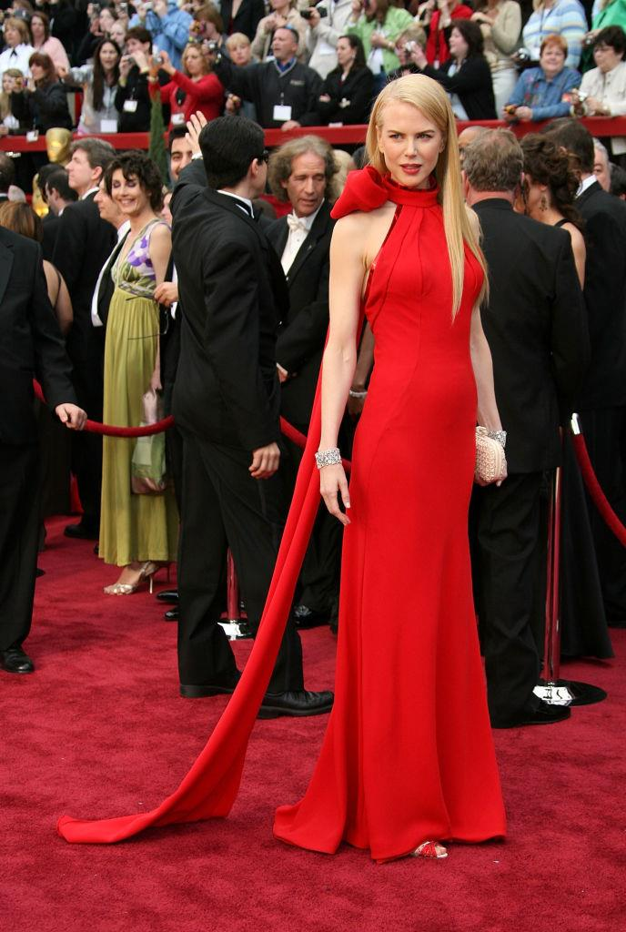 """**Nicole Kidman wearing Balenciaga at the 2007 Academy Awards**<br><br>  Easily one of the [greatest Oscar dresses of all time](https://www.elle.com.au/beauty/our-favourite-oscars-dresses-of-all-time-11400