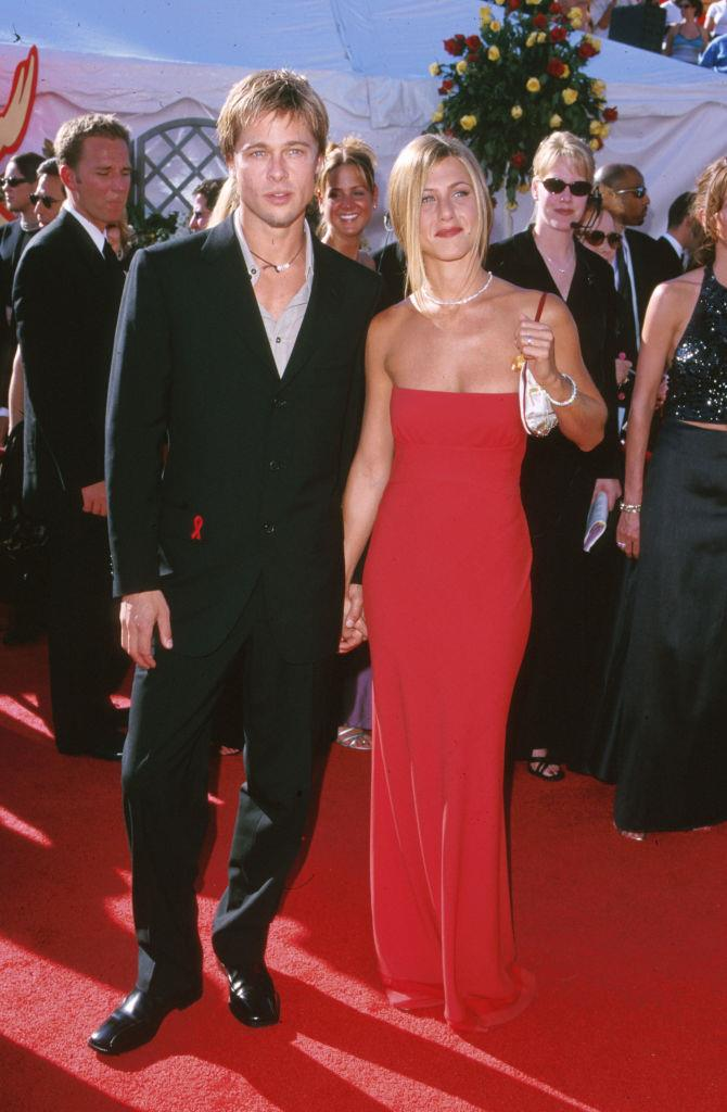 """**Jennifer Aniston wearing Prada to the 2000 Emmy Awards**<br><br>  Trust [Rachel](https://www.elle.com.au/news/the-best-of-rachel-green-from-friends-fashion-9862
