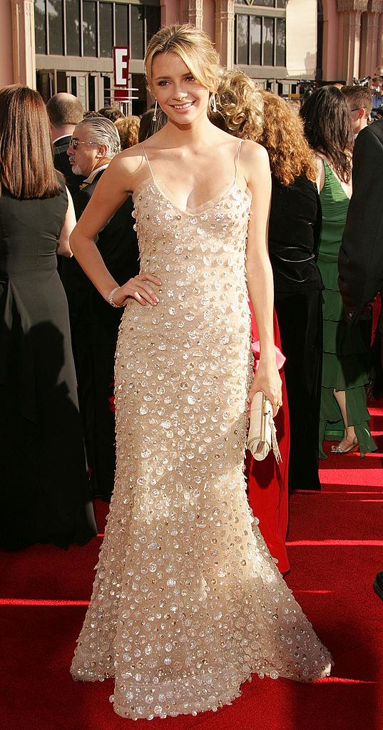 """**Mischa Barton wearing Oscar de la Renta at the 2005 Emmy Awards**<br><br>  As the reigning It-girl of the 2000s, [Mischa Barton](https://www.elle.com.au/beauty/mischa-barton-before-after-20754