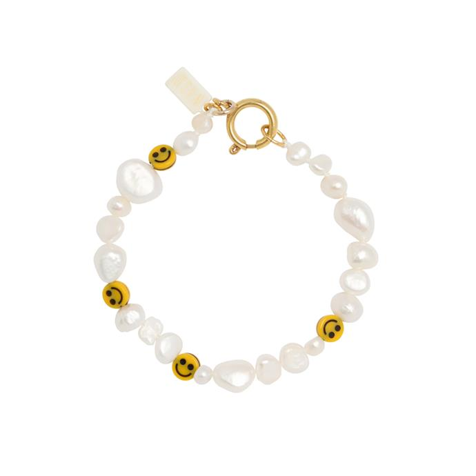 "Our pick: '[Smilie Dude Pearl Bracelet](https://wald-berlin.de/products/smilie-dude-pearl-bracelet|target=""_blank""