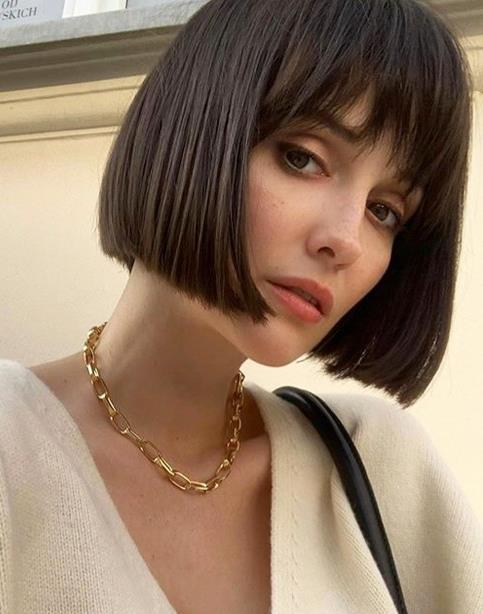 """**THE BLUNT BOB WITH BANGS**<br><br>  **Renya Xydis, Creative Director and Founder of [Valonz](https://www.valonz.com.au
