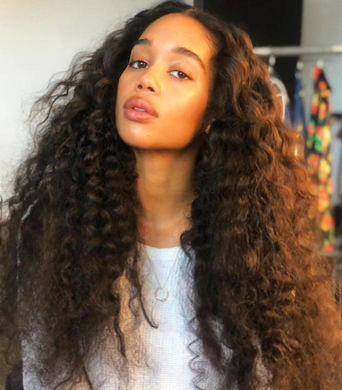 "The minimal makeup is glorious, but who are we kidding: we're not looking at anything except those princess-length natural curls. <br></br> *Via: Instagram/[@jennifer_yepez](https://www.instagram.com/jennifer_yepez/|target=""_blank""