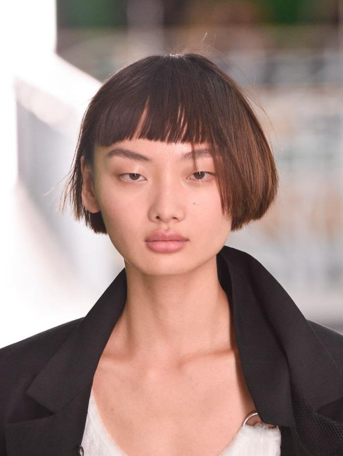 **Louis Vuitton** <br><br> The legendary Pat McGrath showcased her best-selling highlighter for the Louis Vuitton spring/summer 2021 show. With models rocking seriously dewy skin to compliment their minimal brown eyeshadow and flushed flushed cheeks look.