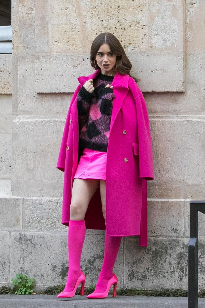 **5. Emily's Head-To-Toe Fuchsia Moment**<br><br>  We could give or take the socks-and-heels situation, but this feeling-myself fuchsia is definitely a head-to-toe mood. Another tick for vibrant colour + patterns done right.<br><br>  *Le mood:* Getting Brigitte Macron to retweet you.