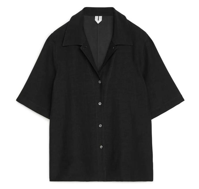 "Relaxed Short-Sleeved Blouse, $110 AUD Approx. by [ARKET](https://www.arket.com/en/women/shirts-blouses/product.relaxed-short-sleeved-blouse-black.0889794003.html|target=""_blank""|rel=""nofollow"")."