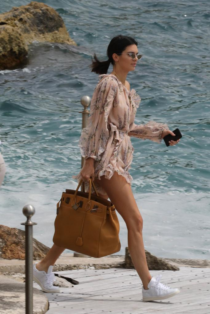 **Kendall Jenner** <br><br> And while loves her shoulder bags, she has been seen carrying the 45—the largest Birkin size, which Jane Birkin herself is frequently spotted with—over the years in both black and tan.