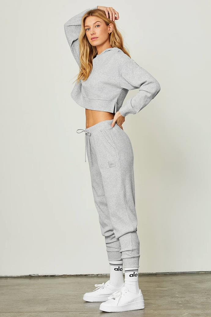 "[Muse Hoodie](https://www.aloyoga.com/products/w3438r-muse-hoodie-athletic-heather-grey|target=""_blank""