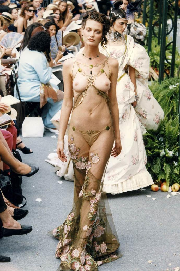 Shalom Harlow at Dior Haute Couture autumn/winter '97.