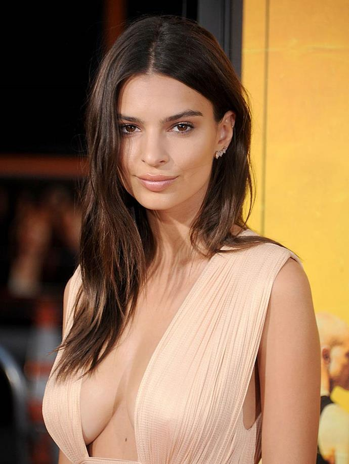 "**Emily Ratajkowski** <br><br> Much like Hadid, Ratajkowski isn't shy about [embracing wigs](https://www.elle.com.au/beauty/celebrity-hair-transformations-11498|target=""_blank"") and hair wizardry to fake bobs, bangs and everything in between. However, she's mostly stuck with the same long, brunette, layered haircut since day one of her modelling career. ""I consider my hair as the reflection of my inner strength. It's not an ornament but a way to express myself,"" Ratajkowski has said. ""I think that's true for all women. There's such an empowering femininity to hair. It allows women to define who they want to be."""