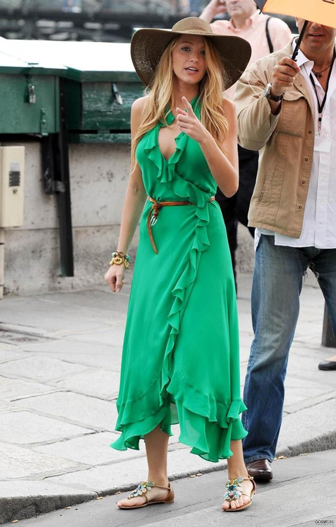 **This green dress:** Honestly, we'd still wear this today.
