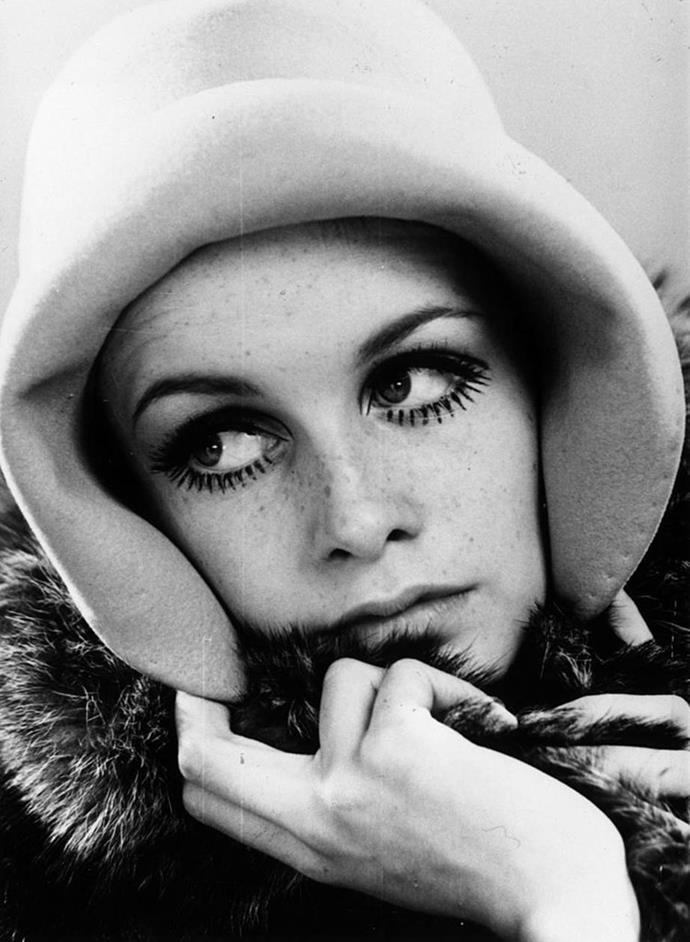 **1966: Twiggy's dramatic lower lashes**<br><br>  While she was also famous for her pixie cut, Twiggy's dramatic lower lashes (often referred to as 'Twiggy lashes') became synonymous with the swinging '60s.