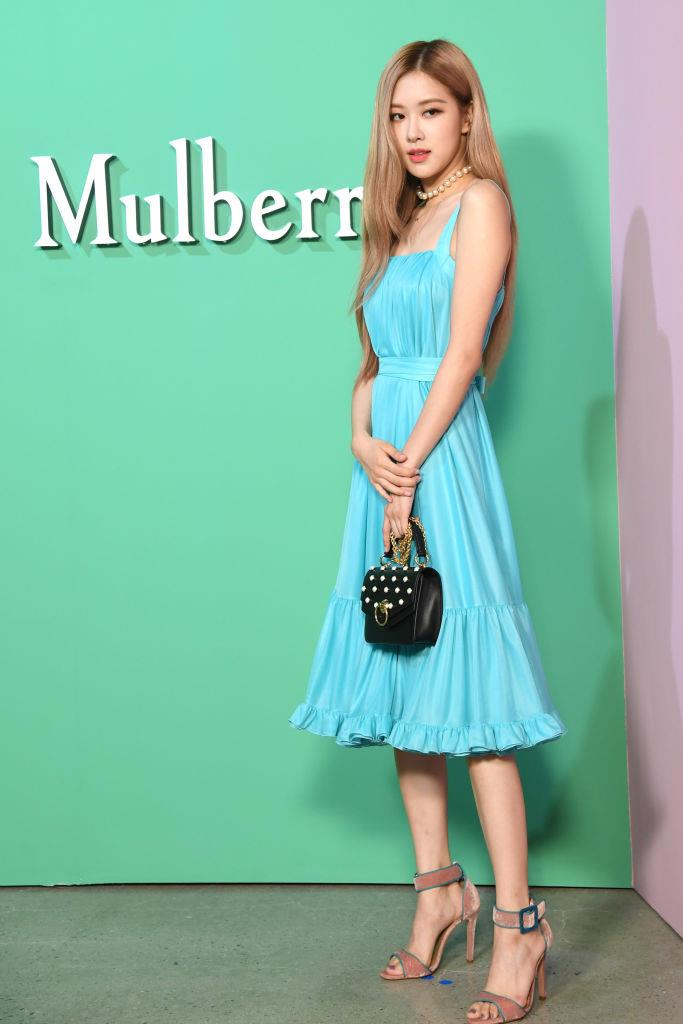 **Rosé**<br><br>  In a simple dress and sandals at the Mulberry autumn/winter '18 event at K museum in September 2018.