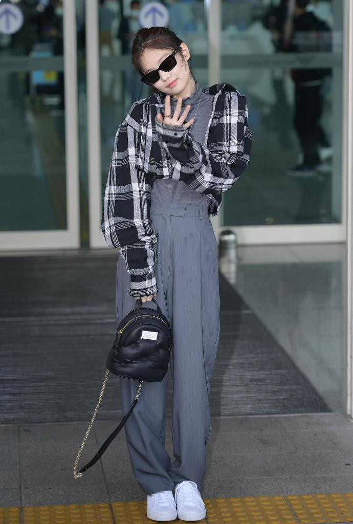 **Jennie**<br><br>  Working relaxed tailoring in February 2020 in Incheon, South Korea.