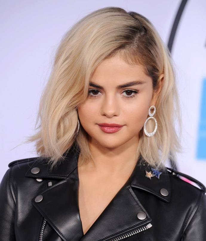 "**Selena Gomez at the 2017 American Music Awards**<br><br>  Getting a [new 'revenge' look](https://www.elle.com.au/fashion/celebrity-post-breakup-outfits-22396|target=""_blank"") after a breakup is hardly a novel concept, but when Selena Gomez stepped out on the red carpet one month after splitting from The Weeknd with an edgy platinum bob, it shocked fans and media alike."